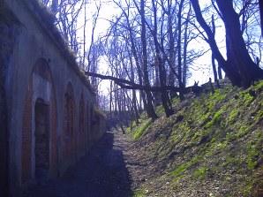 Fort - przednia część