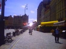 Widok na wrocławski rynek od strony kamieniczek Jaś i Małgosia