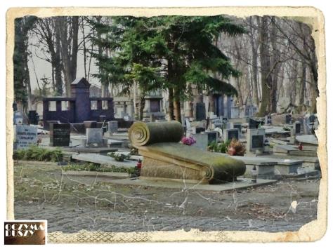 Dziwny grób
