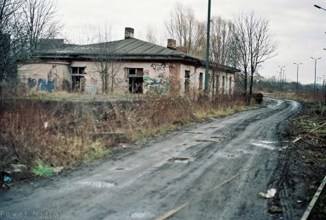 4. Opuszczony budynek koloejowy
