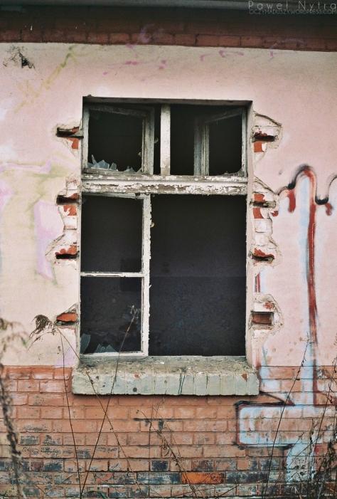 5. W środku prawdopodobnie żyją bezdomni