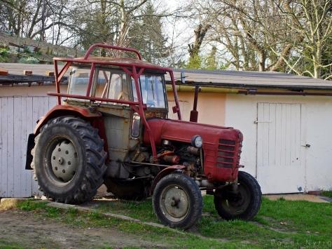 Stary traktor.