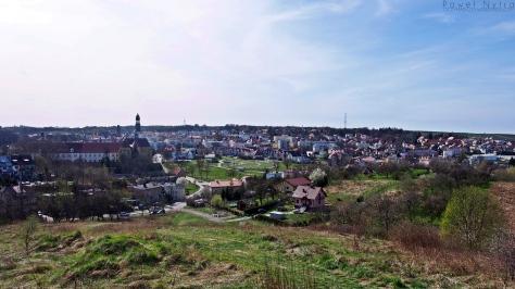 Panorama Trzebnicy widziana z Winnej Góry.