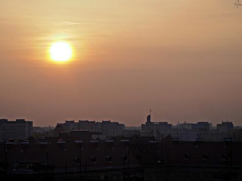Zachód słońca nad blokowiskiem