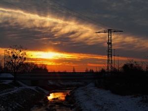 Wschód słońca nad rzeką Ślęzą, Park Tysiąclecia, Wrocław.
